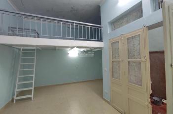 Cần cho thuê nhà riêng ngõ Kim Mã Thượng, dt 40m2 có gác xép, giá 6tr. LH Kiều Thúy 0949170979