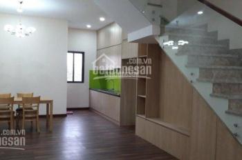 Bán nhà mới, nội thất cơ bản, có sân để ô tô. Chính chủ 0909022331 Chị Thủy