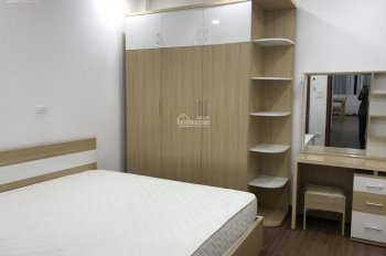 Cho thuê nhà ngõ 204 Trần Duy Hưng, Cầu Giấy, HN. DT 80m2 * 7T, MT 5,6m, có thang máy, giá 50tr/th