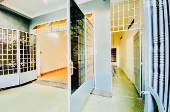 Bán nhà đường Nguyễn Hữu Cảnh 105m2, 1T, 1L, call 0989116432, giá 5,5 tỷ