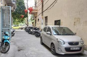 Lô đất phân lô ngõ 300 Nguyễn Xiển, 7 chỗ vào nhà, 40m2, MT 4,2m, khu vip dân trí cao