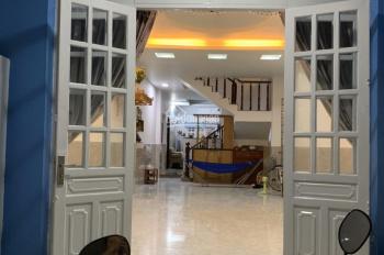 Cần bán căn nhà mặt tiền đường Phạm Văn Đồng; 3 lầu; 22 tỷ