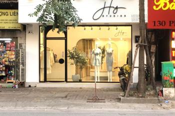 Cho thuê cửa hàng mặt phố Nhà Chung: 40m2, mặt tiền 4,5m, nhà thông, riêng biệt. LH: 0974557067