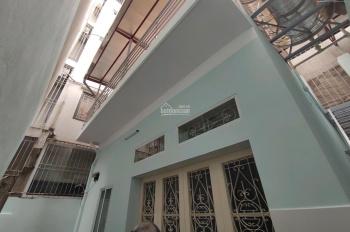 Cho thuê nhà mặt phố Âu Cơ, 80m2 x 2 tầng, MT 4,5m, giá thuê 10 triệu/tháng