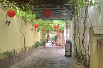 Cho thuê 1000 m2 nhà hàng sân vườn MT Nam Kỳ Khởi Nghĩa, Q. 3. Giá 150 tr/th
