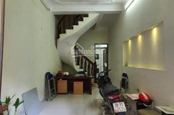 Bán nhà phố Đào Tấn, có diện tích 35m2, xây 05 tầng, mặt tiền 3.3m, giá 2,95 tỷ