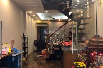 Hiếm, 60m2 nhà mặt phố Nguyễn Văn Cừ MT 5m, giá 11.5 tỷ