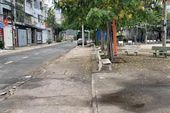 Bán nhà mặt tiền đường Số 9, Linh Trung, Thủ Đức, 4,5x18m, xây 1 trệt 3 lầu, trước nhà là công viên