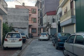 Đất mặt phố tại Việt Hưng, đường 10m, kinh doanh, 92 m2, 2 mặt đường, MT 5m, giá 5.4 tỷ