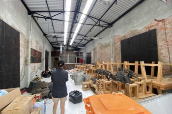 Nhà mặt tiền Phan Đăng Lưu ngang 8m, DT 200m2, giá 30 triệu/tháng