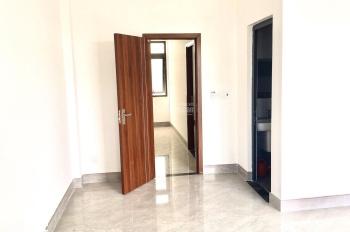 Bán gấp nhà 3 tầng ở Phú Mỹ có thiết kế đẹp móng băng chắc chắn, liên hệ chính chủ: 0908494978