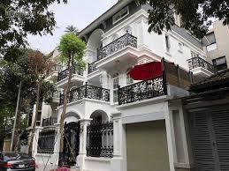 Cho thuê biệt thự nhà vườn căn góc Hoàng Đạo Thuý, DT 130m2, 4 tầng, giá 45 tr/th. 0984250719