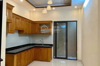 Nhà ngõ  phố 8/3, P. Quỳnh Mai, DT 42m2, 5 tầng,  ô tô đỗ gần nhà, giá 3.45 tỷ. 0913571773