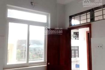 Phòng 20m2 ban công cửa sổ, có gác B22/30 Bạch Đằng, P2, Tân Bình. Ngay sân bay