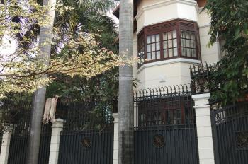 Bán biệt thự hẻm 208 Pasteur, Quận 3, DT 20mx25m, giá tốt 200 tỷ, 0904.29.33.63