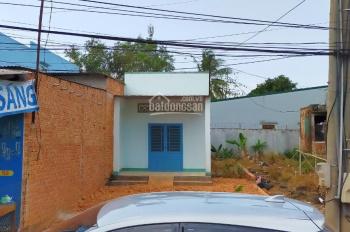 Bên em có căn nhà chợ 5 rưỡi Phú Lộc, Tân Phú, Đồng Nai, hiện trạng nhà: nhà cấp 4, 1PK, 1 bếp