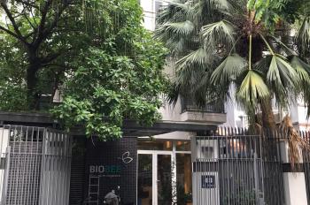 Cho thuê nhà biệt thự mặt phố Trung Văn 195m2 xây dựng 100m2*3,5 tầng 1 hầm. Giá 40 triệu/th