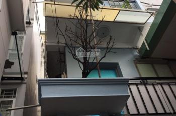 Cho thuê nhà Huỳnh Văn Bánh P13 Phú Nhuận 1Tr 2L 2P 2WC giá: 10tr