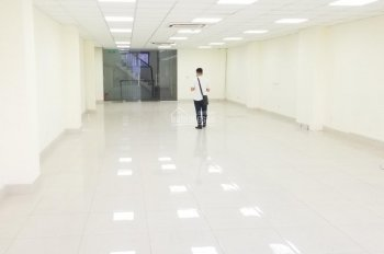 Cho thuê văn phòng 140m2 thông sàn, ngã tư Nguyễn Trãi - Khuất Duy Tiến, giá rẻ 28tr/tháng