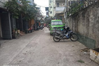 Cho thuê nhà riêng Nguyễn xiển ngay đầu ngõ ô tô tránh nhau, 55m2 x 4 tầng, 13 triệu/th