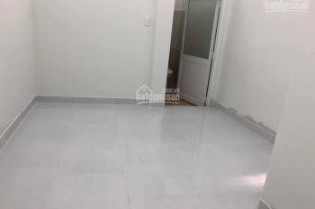 Cho thuê nhà 1 sẹc đường Lạc Long Quân, P10, Tân Bình 5m x 7,5m 1 tấm 2 phòng giá 6 triệu 1/th
