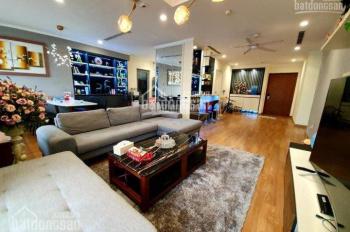 Gia đình cần bán gấp căn hộ chung cư Times City, 4 phòng ngủ, 160m2, 7 tỷ, nội thất rất đẹp