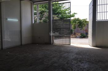 Bán gấp kho xưởng 10 x 30 đường nhựa thông 10m gần ngã 3 Hồng Châu (QL22) xã Tân Thới Nhì, Hóc Môn