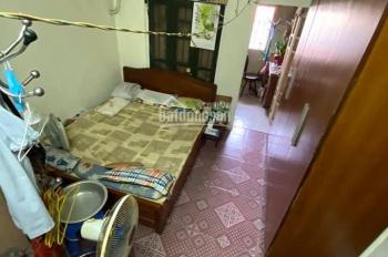 Cần bán gấp căn hộ tầng 3 nhà D8 tập thể Quỳnh Mai, phường Quỳnh Mai, quận Hai Bà Trưng, Hà Nội