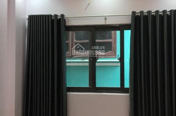 Bán gấp nhà Trương Định, cách phố 5m, 5T, 35m2, giá chỉ 2,75 tỷ, nhà đẹp chỉ việc về ở ngay