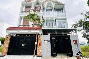 Bán gấp nhà 04 tầng, DT 05x16m, trệt 2 lầu sân thượng, đường nhựa 08m, bảo vệ 24/24, giá chỉ 4,7tỷ