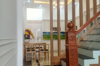 Tôi phải ra Hà Nội ở, cần bán gấp căn nhà 3 lầu MT Liên Khu 4 - 5, Bình Hưng Hòa B, 85m2/5tỷ