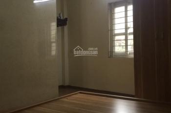 Cho thuê nhà 27m2 x 3T đủ đồ, kinh doanh tốt, ngõ 31 Nguyễn Cao, HBT, HN 7,5 tr/th