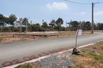 Bán gấp lô đất 100% thổ cư, ngay cổng chào Long Điền, gần trường, BV, sổ riêng. LH: 0937.17.3030