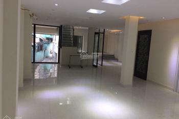 Cho thuê nhà nguyên căn rẻ nhất đường Hoa, P. 2, Q. Phú Nhuận, DT 8mx18m, 4 tầng, chỉ 70tr/th