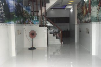 Cho thuê nhà 2 lầu giá tốt hẻm xe hơi đường Lạc Long Quân, P. 11, Q. Tân Bình