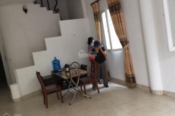 Cho thuê nhà riêng ngõ 310 Nghi Tàm, 90m2 x 3 tầng, giá 15 tr/tháng, có nội thất