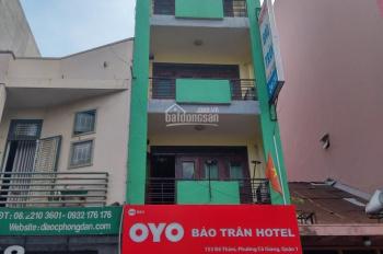 Chính chủ cho thuê nhà mặt tiền đường Đề Thám, Q1 1 hầm 4 tầng 1 sân thượng. LH: 0903700543