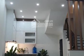 Nhà mới 5 tầng x 38m2, đường Nguyễn Văn Cừ - Long Biên - Hà Nội