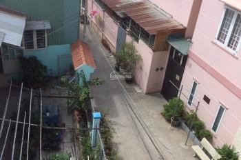 Cho thuê nhà nguyên căn 1 trệt 2 lầu 4 phòng ngủ có nội thất đường Huỳnh Tấn Phát, Quận 7