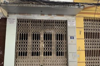 Tôi chính chủ cần bán nhà phân lô Bộ Công An phố Nguyễn Phúc Lai- Hoàng Cầu. LH chị Thu: 0914110611