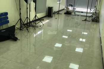 Cần sang nhượng mặt bằng 02 tầng làm văn phòng hoặc showroom