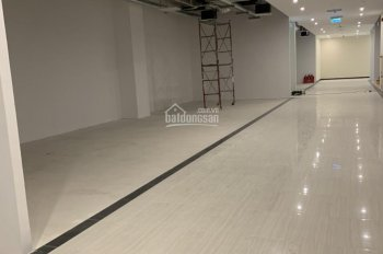 Chính chủ cho thuê kiot thương mại Vincom Phạm Hùng. Giá từ 556.525 đ/m²/tháng có thương lượng