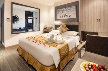 Bán khách sạn mặt tiền đường Trần Phú Nha Trang 3* cộng, bãi tắm trước mặt, mới xây