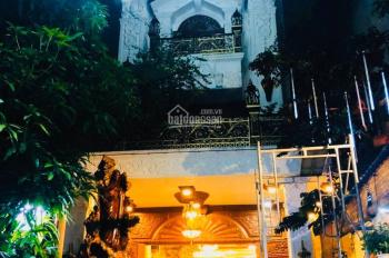 Cần bán biệt thự sân vườn - MT Lương Văn Can P15 Q8 - nội thất gỗ cao cấp - giá hợp lý
