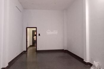 Cho thuê nhà hẻm xe hơi Cộng Hòa, P. 12, Quận Tân Bình. Diện tích 4 x 20m 2 lầu, giá 22 triệu/th