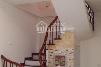 Cho thuê nhà mặt ngõ 161 Nguyễn Tuân, diện tích 40m2 x 5 tầng, mỗi tầng 1 phòng, giá 17 tr/th
