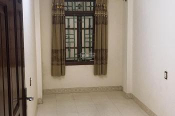 Chính chủ cho thuê phòng trọ khép kín 20m2 tại 260 Bạch Mai, giá 2tr/th, 0969732857