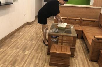 Cho thuê nhà sạch đẹp ngõ 164 Vương Thừa Vũ, 75m2 x 3 phòng ngủ. Giá thuê 6tr/tháng