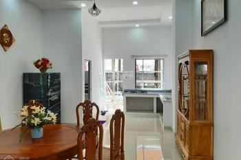Cần bán nhà phố mặt tiền Bến Tre 4.5x15.5m 1 trệt 2 lầu, 4 phòng ngủ 2.5tỷ