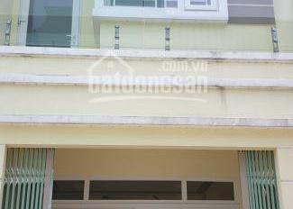 Cần bán gấp nhà 1 trệt 1 lầu 50m2 tại Phan Văn Hớn, SHR, giá: 900 triệu, LH: Hợp 0967733472